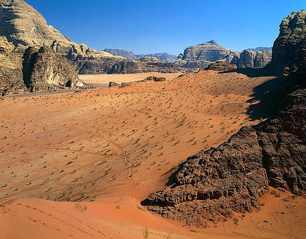 Mountainous Sand Dunes of Wadi Rum by Efim Chernov