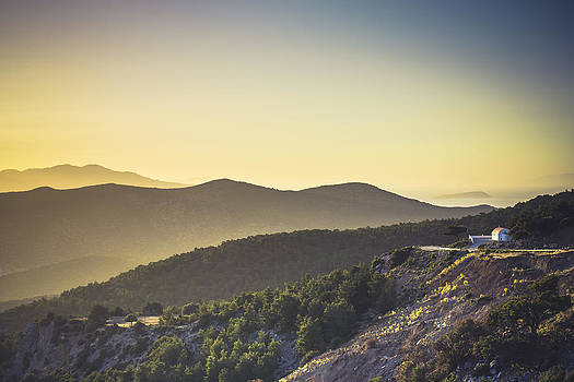 Mountains and more by Alejandra Pinango