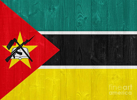 Mozambique flag by Luis Alvarenga