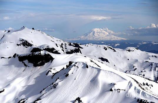 Mt Adams by Ken  Rosholt