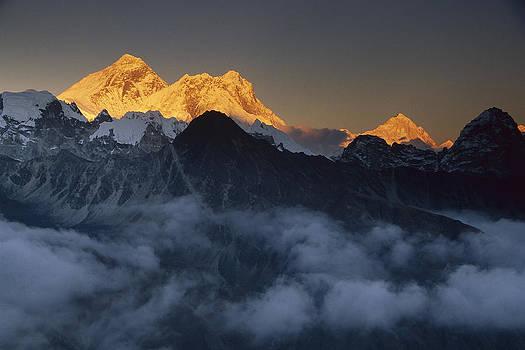 Colin Monteath - Mt Everest Lhotse And Makalu Nepal