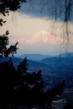 Mt Hood by Mamie Gunning