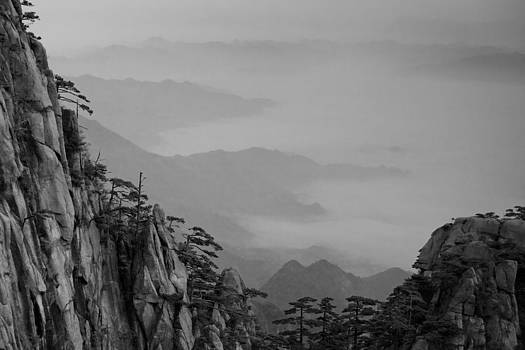 Mt. Huangshan by Jason KS Leung