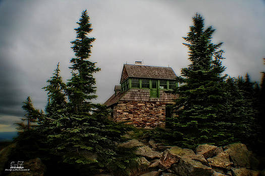 Mt Spokane Cabin by Dan Quam