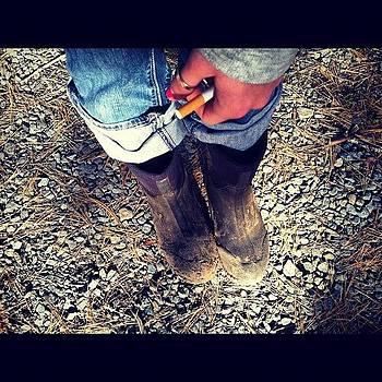 💗✌#muck Boots #pink Nails by Kahsha Ward