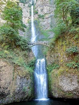 Marv Russell - Multnomah falls