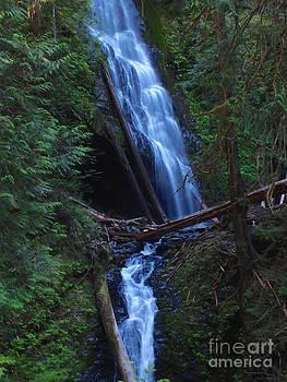 Murhut Falls by Heike Ward