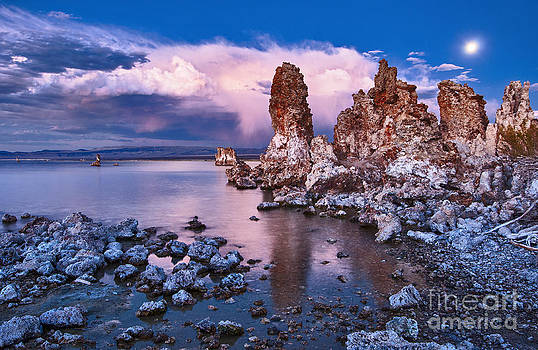 Jamie Pham - Mysterious Mono - Moonrise night view of the strange Tufa Towers of Mono Lake.