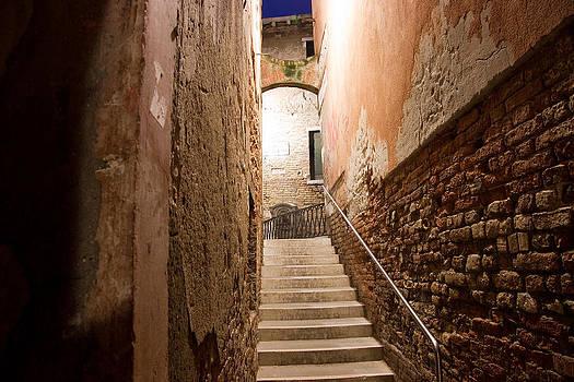 Narrow Calle by Mattia Oselladore