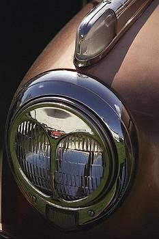 Nash Headlight by Jim Cotton