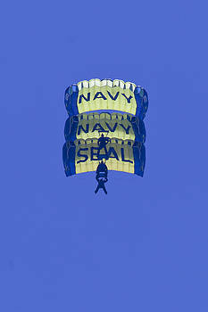 Donna Corless - Navy Seal Leap Frogs 3 Vertical Parachutes