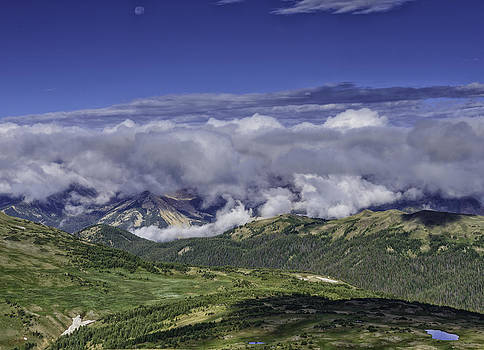 Never Summer Mtns in Clouds by Tom Wilbert