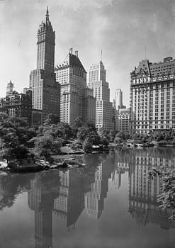 Steve K - New York City Plaza 1920