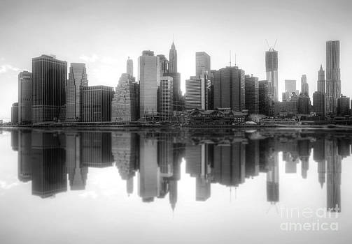 Yhun Suarez - New York Skyline Sunset BW