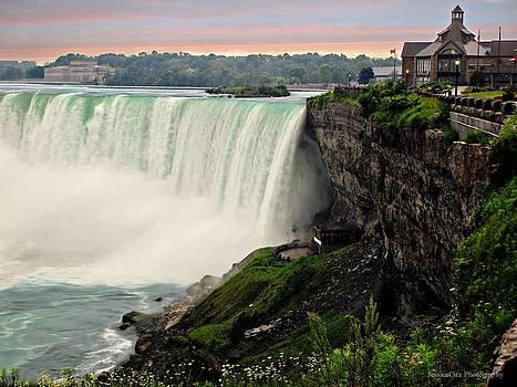 Niagara Falls Sunrise by Jessica Cirz