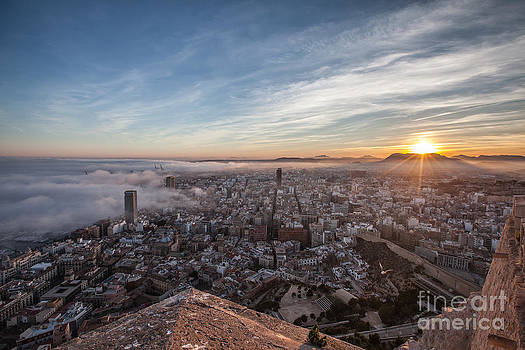 Niebla en Alicante by Eugenio Moya