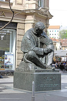 Nikola Tesla sculpture in Zagreb by Borislav Marinic