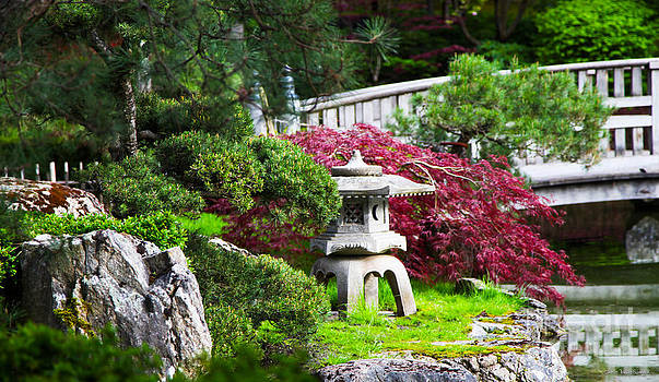Nishinomiya Japanese Garden by Chris Heitstuman