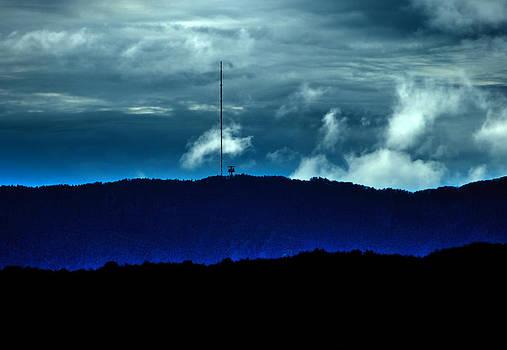 Noc by Jan Hrmo