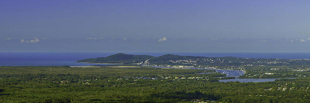 Noosa by Peter Lombard