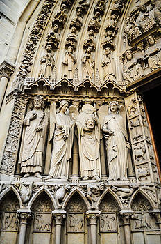 Notre Dame Cathedral sculpture by Chaiyaphong Kitphaephaisan