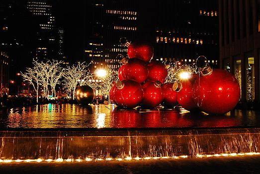 NY Christmas I by Isabella Rocha