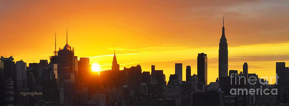 Regina Geoghan - NY Skyline Autumn Sunrise