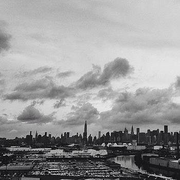 #nyc Right Now. #newyorkcity #manhattan by Jerry Ng