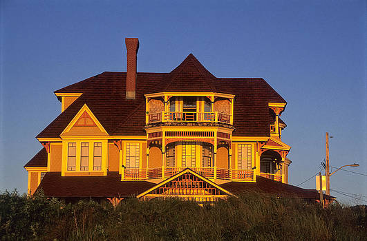 Jeremy Herman - Oak Bluffs Beach Cottage 2