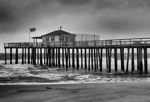 Ocean Grove Fishing Pier 2 by Quin Bond