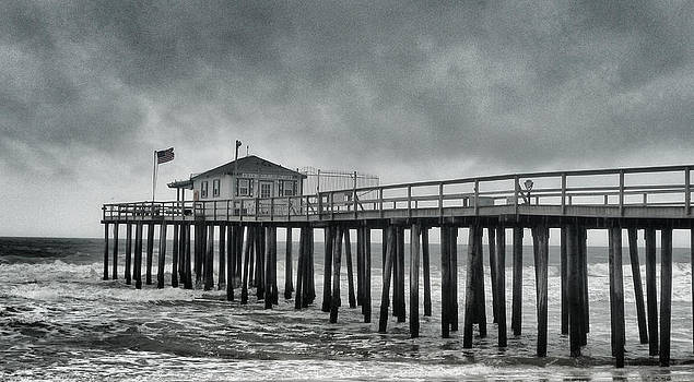 Ocean Grove Fishing Pier by Quin Bond