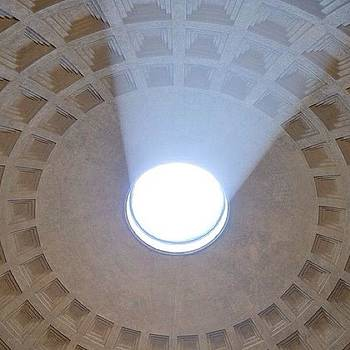 Eve Tamminen - Oculus In Pantheon.  #rome #roma