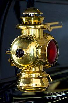 Patrick Witz - Oil Lantern Running Lights