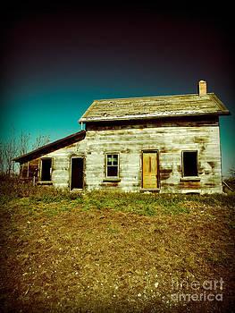 Old abandoned house in Saskatchewan Canada by Emilio Lovisa