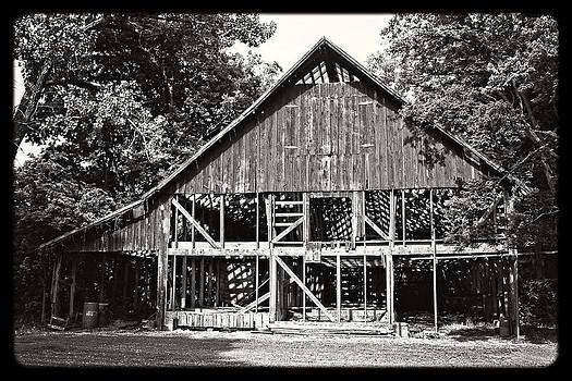 KayeCee Spain - Old Barn On Hwy 161