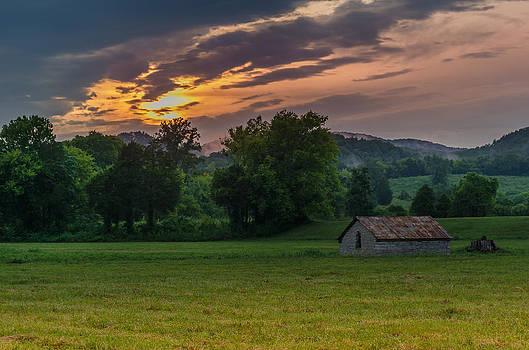 Old Barn by Richard Kook