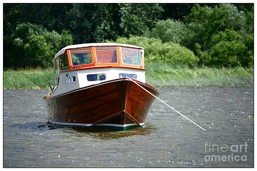 Sophie Vigneault - Old Boat