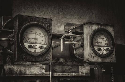 Old Gauges. by Darren Marshall