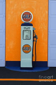 Jost Houk - Old Gulf Gas Pump