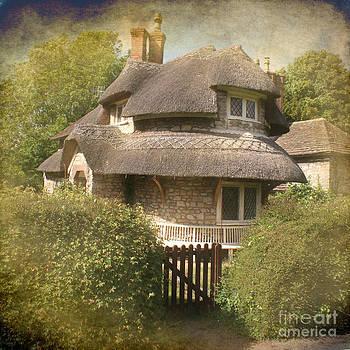 Old house by Sylvia Lakoma