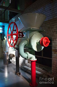 Old machinery 3 by Giuseppe Ridino