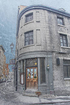 Old Montreal building by Sonia Conforti