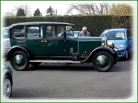 Old Rolls Royce by Geoff Cooper