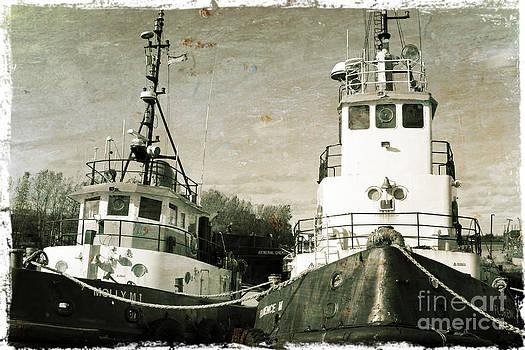 Sophie Vigneault - Old Ships