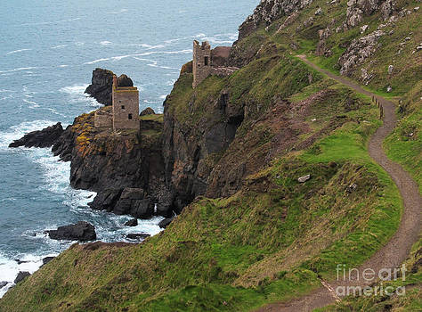 Old Tin Mine Cornwall by Kiril Stanchev