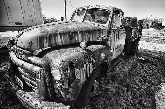 Old Truck 1 by Edser Thomas
