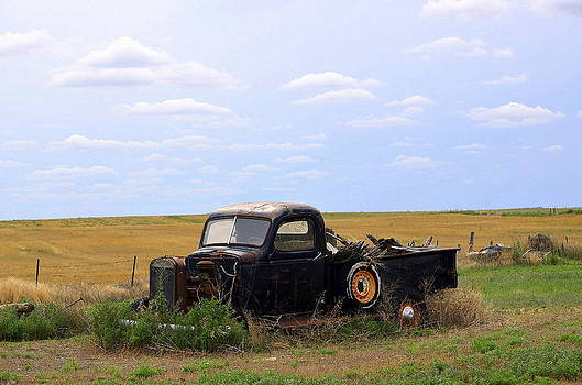 Old Truck  by Clarice  Lakota