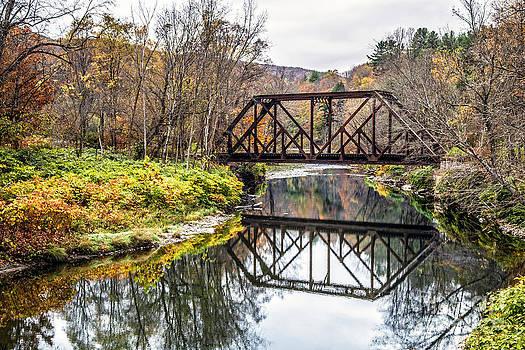 Edward Fielding - Old Vermont Train Bridge in Autumn