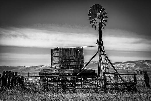 Bruce Bottomley - Old Water Pump B/W