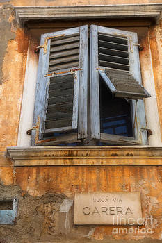 Nick  Biemans - Old window in an old house